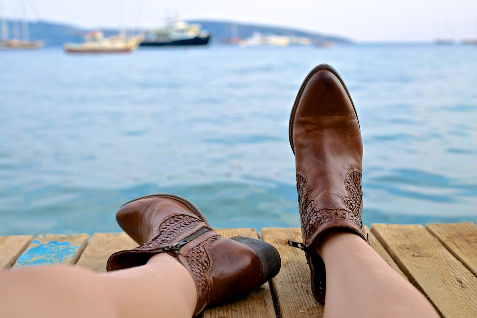 boots-828975_960_720